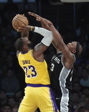 La NBA propone recortar el 50% de los salarios, pero jugadores se oponen