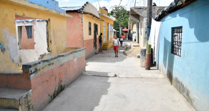 Fundación busca fondos para transformar el sector El Caliche, de Villa Duarte