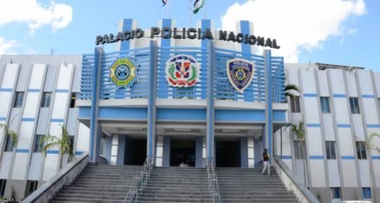 Presidente Abinader pone en retiro 350 oficiales de la Policía