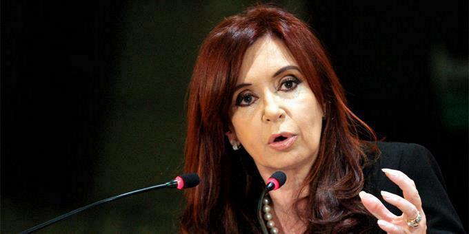 """Expresidenta Cristina Fernández y su esposo fueron """"jefes de asociación ilícita"""", según la fiscalía"""