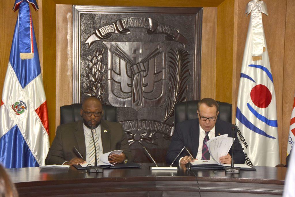 CCRD y USAID firman memorándum de entendimiento orientado al fortalecimiento institucional