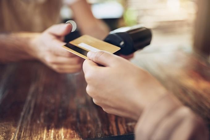 Seis cobros que te pueden hacer los bancos por tener tarjeta de crédito
