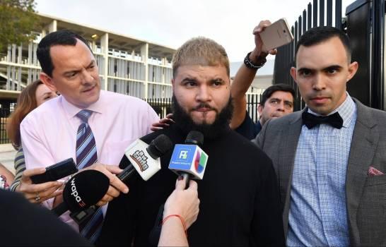 Solicitan 16 meses de prisión para Farruko