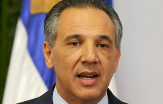 """Peralta: Presidente se """"subirá al hombro"""" al candidato sea escogido en septiembre"""