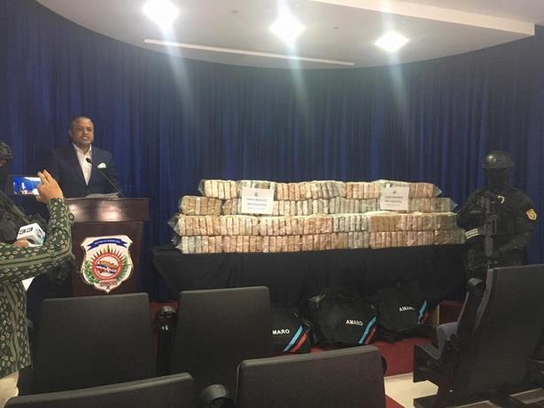Ocupan 280 paquetes presuntamente de cocaína en el Multimodal Caucedo