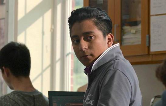 Tony Revolori redefine la idea del actor latino en Hollywood una vez más