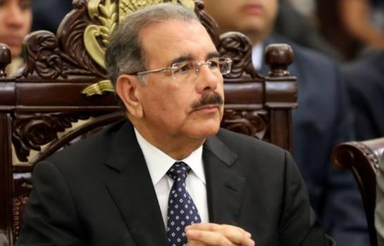 Danilo Medina lamenta el fallecimiento del baloncestista dominicano Chicho Sibilio