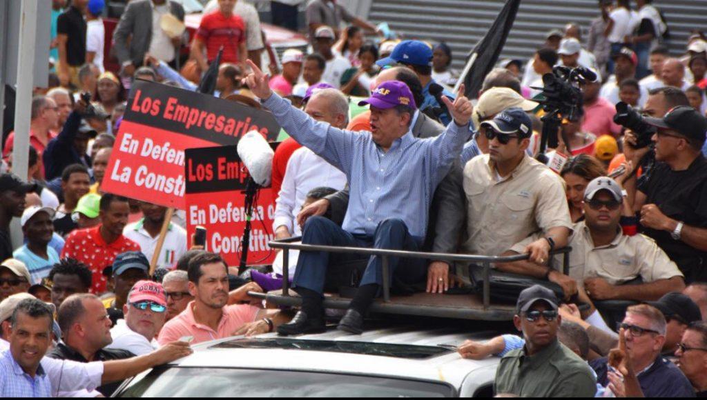 Leonel Fernández: un estadista en rol de manifestante