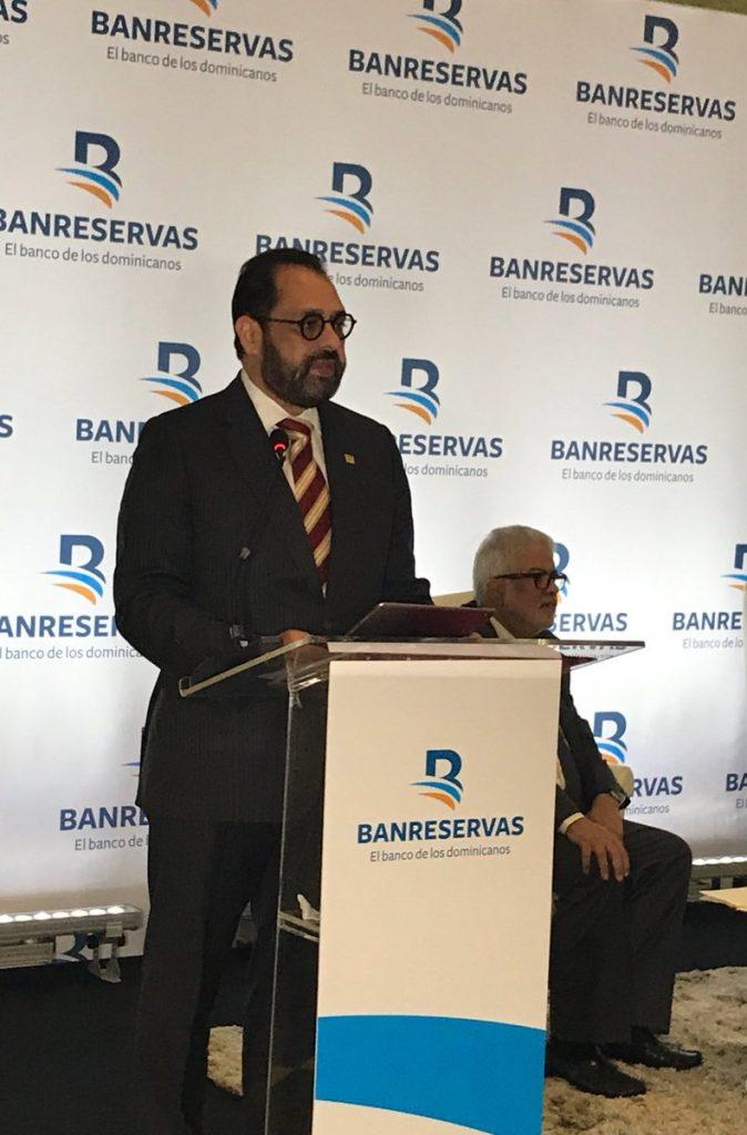 Caso Odebrecht:  Guzmán Ibarra presenta formal renuncia en Banreservas