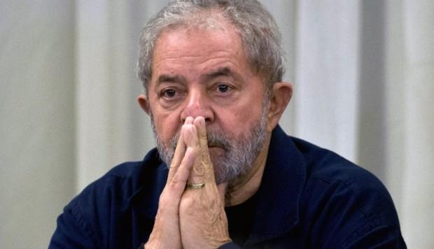 """Lula afirma que quiere salir de la cárcel solo con el """"100 % de inocencia"""""""