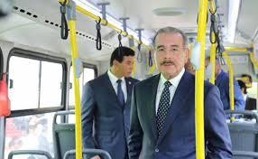 Presidente Danilo Medina  entrega unidades para reforzar la omsa