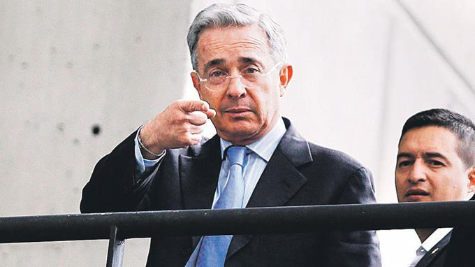 Justicia indagará a Álvaro Uribe por manipular testigos