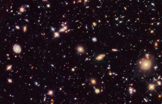 Estudio reduce 2,000 millones de años a la edad del universo