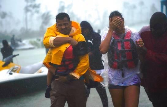 Aumentan a 50 los muertos en Bahamas por huracán Dorian