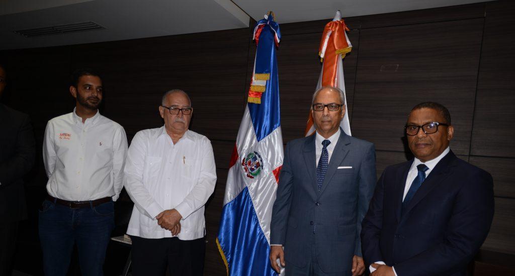 Ramón Pepín es posesionado como ministro de Obras Públicas