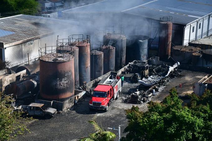 Vecinos de Villa Aura piden sean trasladadas empresas de la zona a raíz de explosión