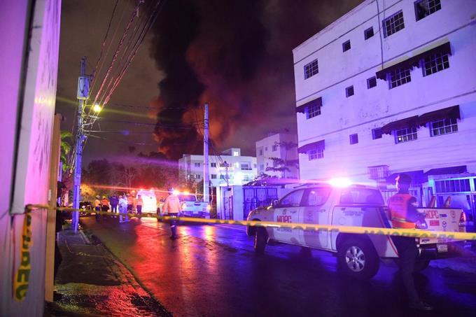 Explosión afecta empresa de distribución de combustible en SDO