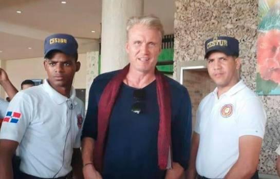 Famoso actor Dolph Lundgren de visita en Punta Cana