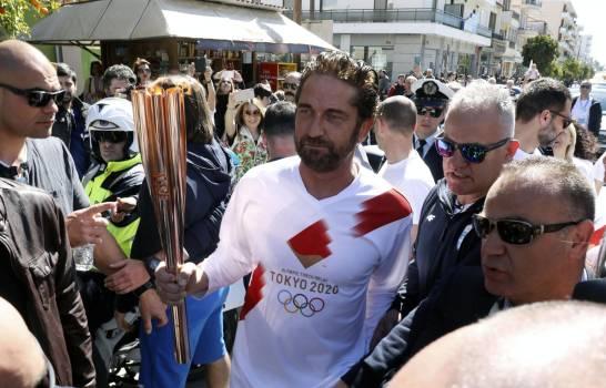La antorcha olímpica abandona Grecia; sigue la incógnita por el coronavirus