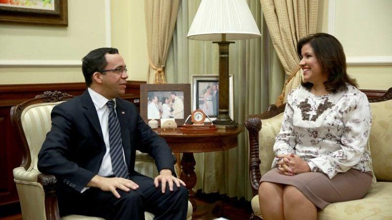 Andrés Navarro asume dirección campaña vicepresidenta