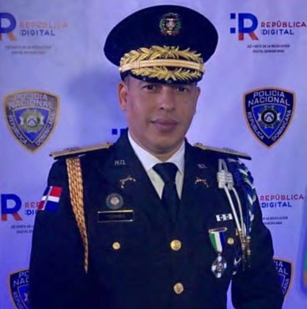 General PN Javier Torres Dotel en estado crítico por coronavirus