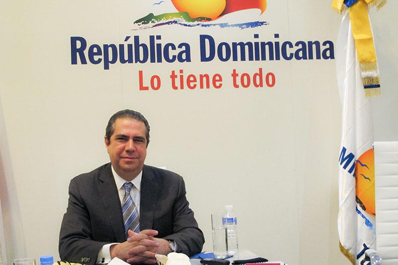 Ministro Turismo dice sector está listo para iniciar