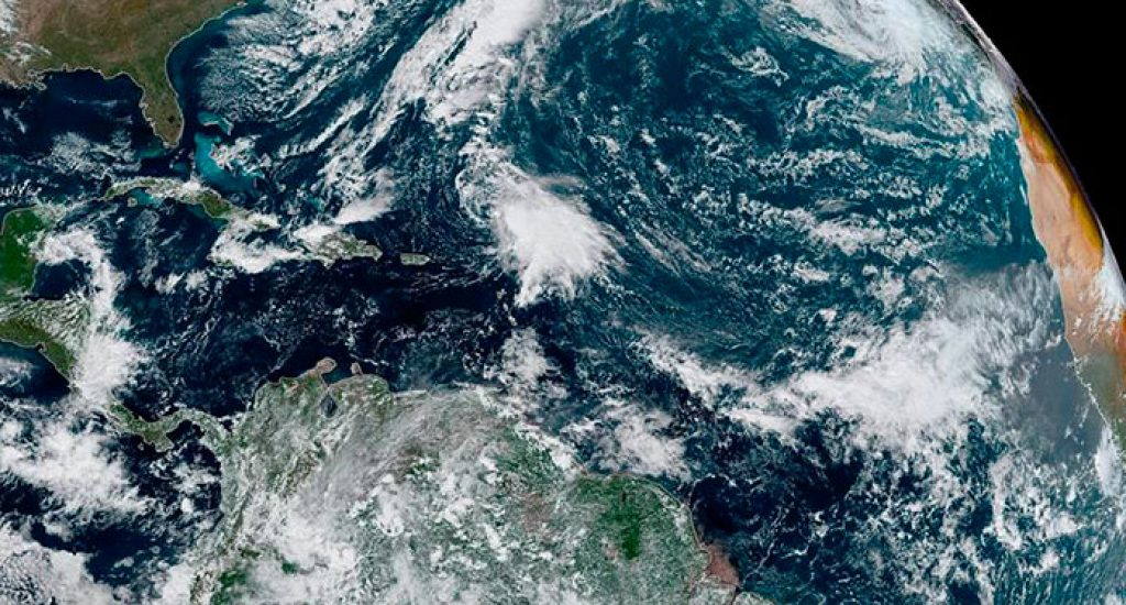 Tormenta tropical Cristina se intensifica y deja lluvias en México