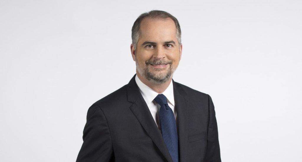 Superintendente de Bancos responde a ministro de Salud y dice que se debe fomentar el uso de la banca en línea