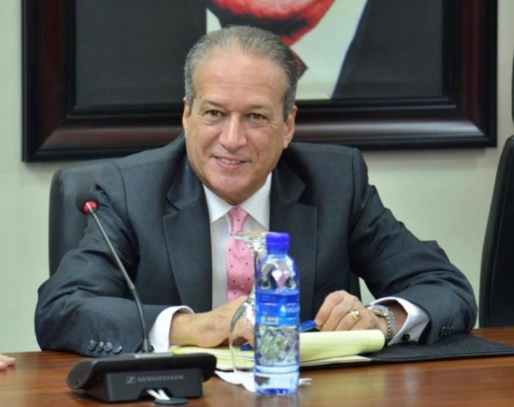 Temístocles Montás: Reinaldo Pared Pérez evoluciona de forma positiva