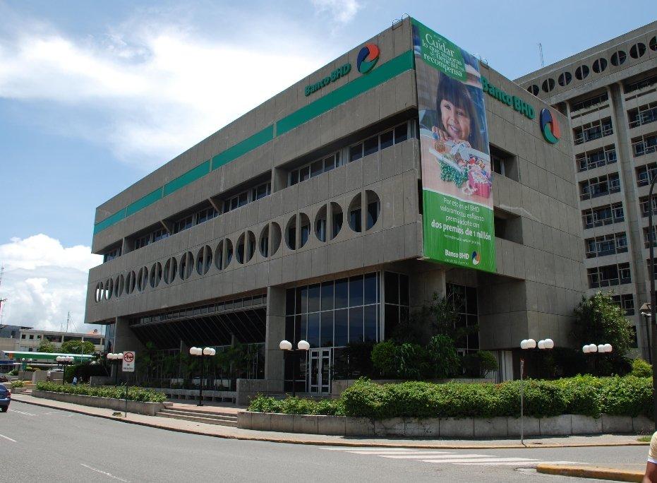BHD León dice apoya clientes afectados por crisis financiera