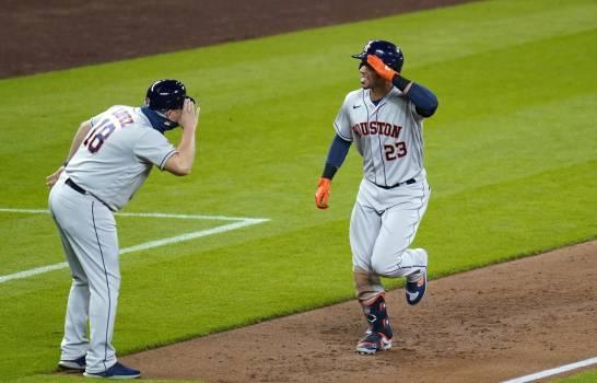 Maldonado y Valdez lideran a los Astros sobre los Marineros