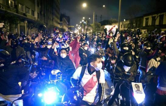 Perú queda temporalmente sin presidente ni jefe del Congreso