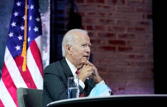 Biden se reúne con gobernadores demócratas y republicanos