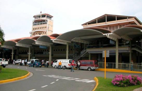 Fallas en motor obligó avión a aterrizar de emergencia en aeropuerto Cibao