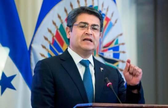 Tres diputados piden juicio político para destituir al presidente de Honduras