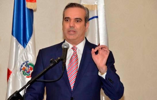 Decreto | Abinader conforma equipo de abogados para recuperar patrimonio público robado
