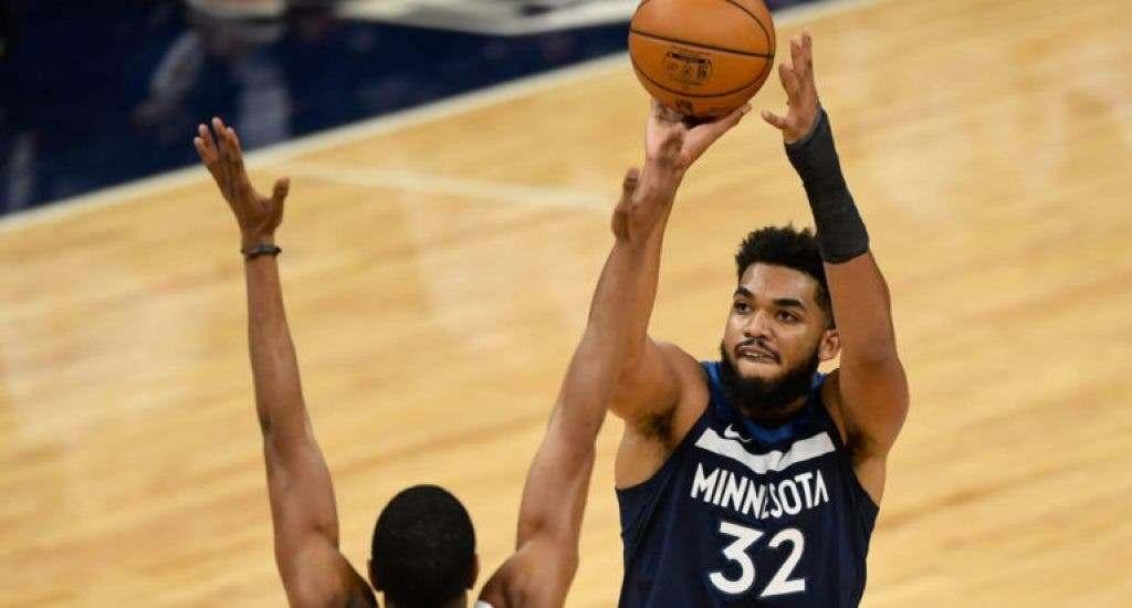 Towns se convierte en primer centro en liderar en triples una franquicia en historia de NBA