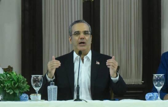 Luis Abinader, entre los líderes mejor valorados de América Latina