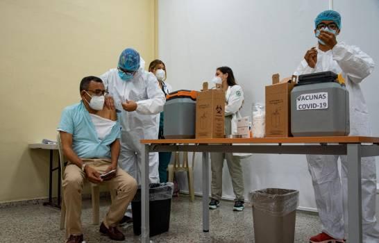 República Dominicana alcanza los 800 mil vacunados contra el COVID-19