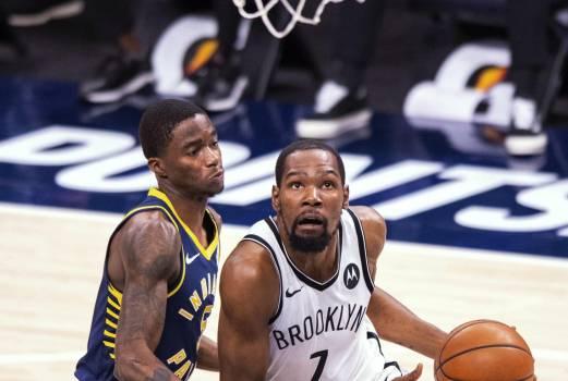 Durant brilla con 42 tantos; Nets doblegan a Pacers sin Irving