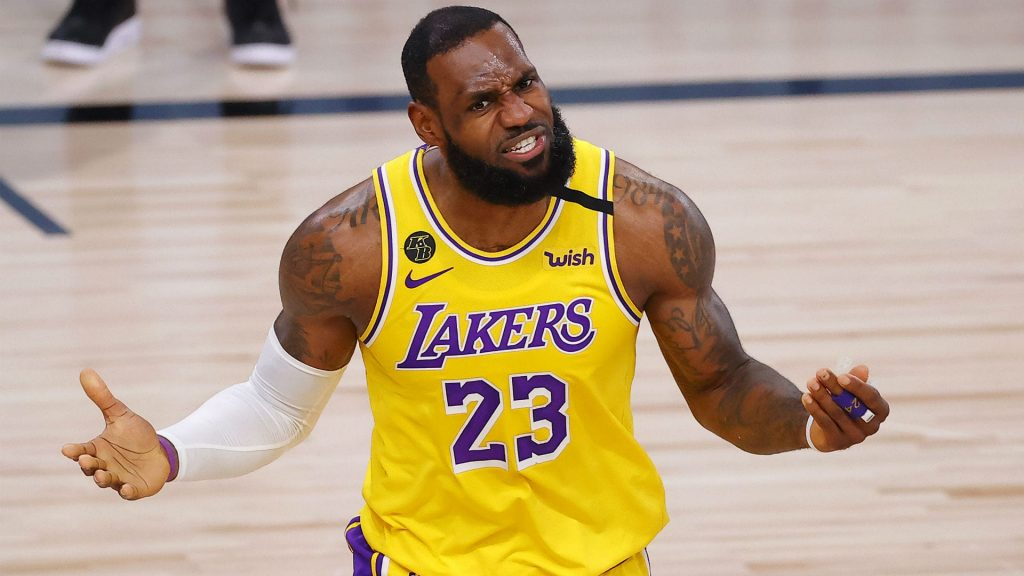 LeBron James, abrumado ante la sombra del 'play-in'