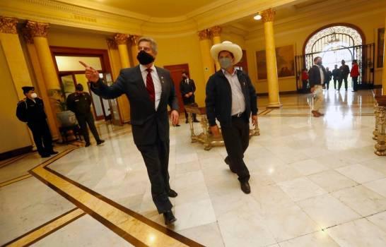 Pedro Castillo pisa por primera vez el Palacio de Gobierno de Perú sin desvelar ministros