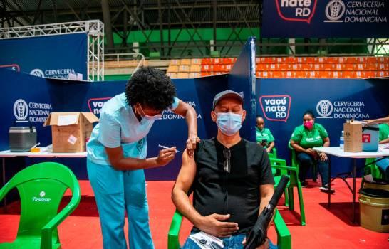 El país se acerca al 50 % de vacunados con dos dosis a nivel nacional