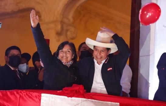 El maestro rural Pedro Castillo será el 'presidente del bicentenario' de Perú