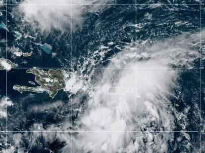 Depresión tropical Grace se desplaza al sur del territorio dominicano