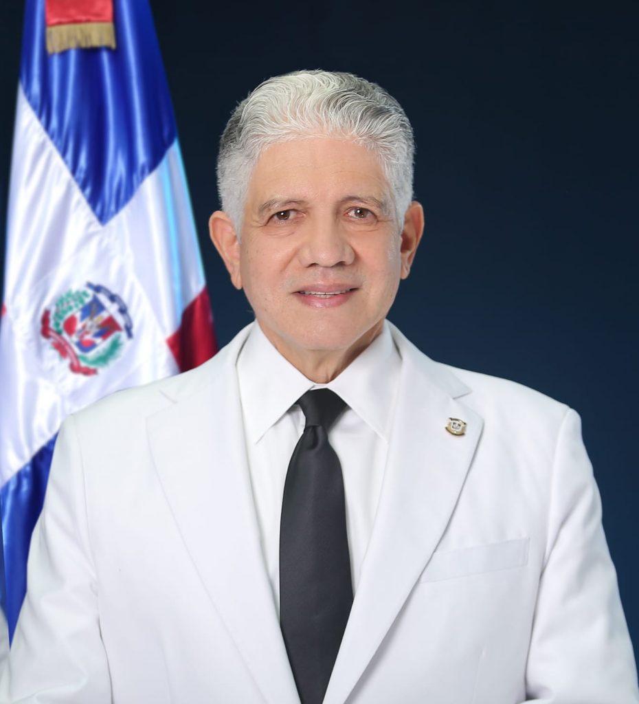 Estrella es juramentado por segundo periodo consecutivo como presidente del Senado