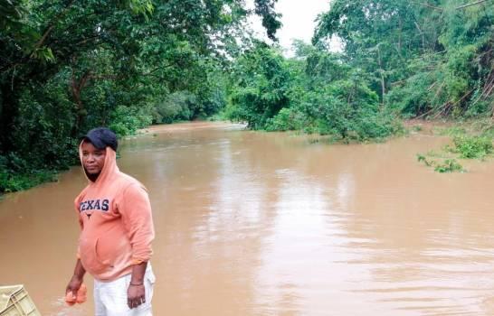 Crecida de río por lluvias de Fred incomunica localidad de La Victoria