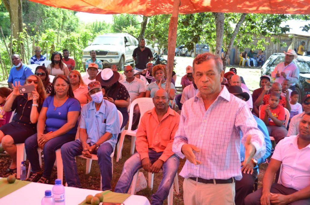 Sucesión Severino promete impulsar desarrollo económico de Mata Palacio